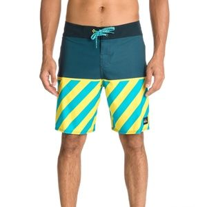 """quiksilver young guns boardshorts 19"""" outsell"""